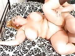 Plump babe Samantha 38G has her plump cunt screwed