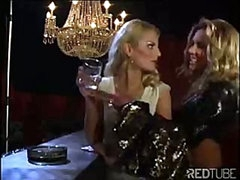 The lesbian luxury bar always provides some hot snatch licking
