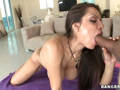 Yurizan Beltran shoves a inflexible cock down her face hole